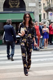 pants,pajama style,print,printed pants,wide-leg pants,shirt,floral,floral pants,floral shirt,printed shirt,sunglasses,cat eye,streetstyle