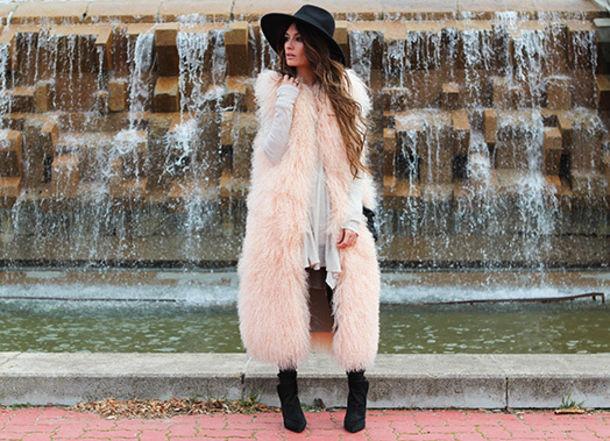 2dc8af56e84 madame rosa blogger hat fluffy pastel winter outfits faux fur vest jacket t- shirt pants