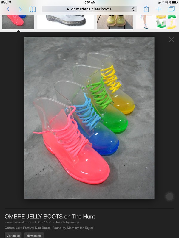 any color shoes
