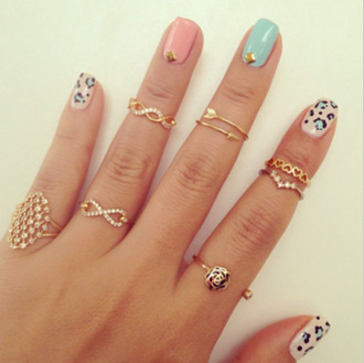 jewels clothes ring earings girl nails gold diamonds knuckle ring