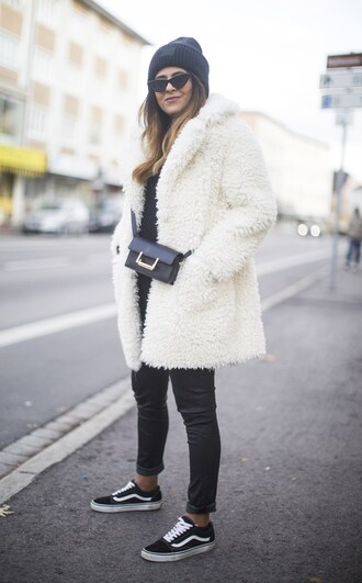 fashionlandscape blogger coat jacket sweater top shirt cardigan fall outfits winter outfits beanie crossbody bag sneakers faux fur coat white coat