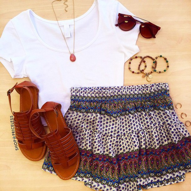 Shorts moroccan print white crop tops simple crop top sandals sunglasses necklace casual ...