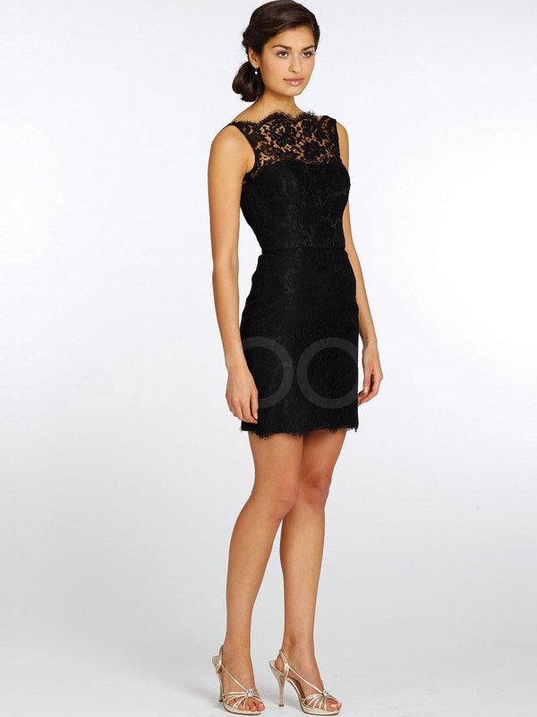 dress made of lace and have mini train natural waistline and sleeveless