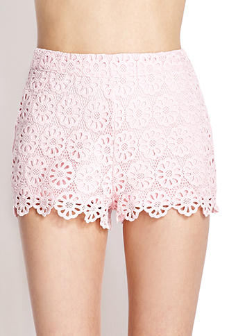 Retro daisy crocheted shorts