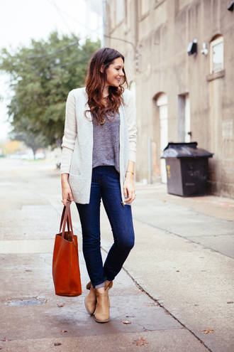 kendi everyday sweater t-shirt jeans shoes bag
