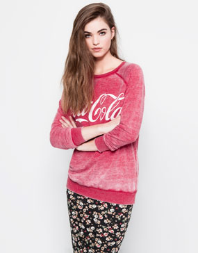 COCA-COLA SWEATSHIRT - SWEATSHIRTS - WOMAN -  PULL&BEAR Spain