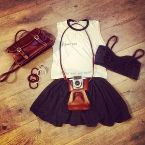 tank top bag leather camerea camera skirt black skirt quote on it bralet set bracelets tank top bag leather camerea camera skirt black skirt quote on it bralet set bracelets