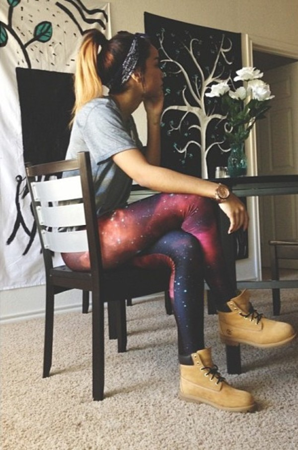shoes celebrity tights pants leggings timberlands t-shirt galaxy print