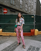 pants,pink floral pants,floral,top,shoes,abg,bag