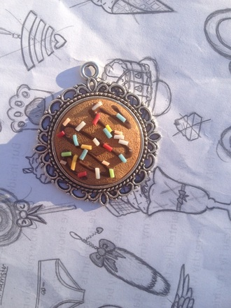 jewels cookie sprinckles cameo cute necklace
