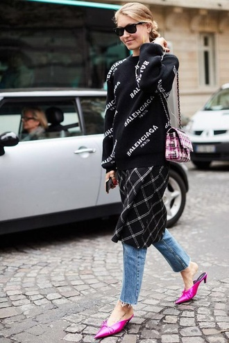 shoes pink shoes mules balenciaga sweater black sweater blue jeans sunglasses jeans streetstyle