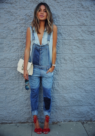 sincerely jules blogger spring outfits denim overalls red shoes sandal heels jumpsuit
