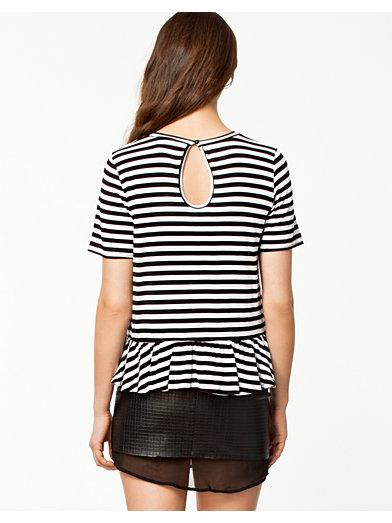 Frill T - Shirt - Notion 1.3 - Svart/Hvit - Topper - Klær - Kvinne - Nelly.com