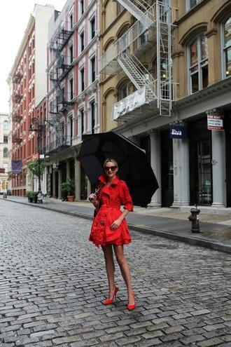 atlantic pacific blogger coat shoes sunglasses red coat red heels high heel pumps
