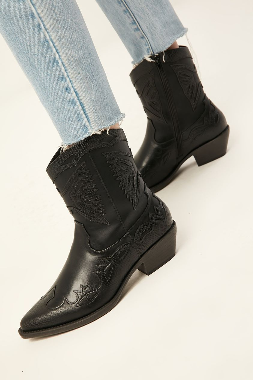 Therapy Burke Boot Black