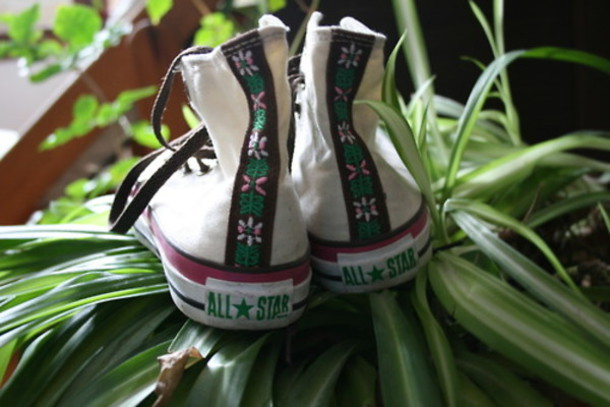 9d19ed8f5eba shoes converse flowers allstar summer aztec hippie shoe lace skater  tropical tumblr tropical summer shoes hipster