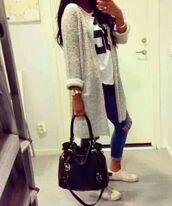 cardigan,grey cardigan,blouse,jacket,long,white/grey,coat,gris,shorts,jeans,jewels,shirt,bag,white,wooly