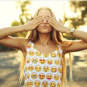 emoticons yellow smileys blouse t-shirt shirt casual chic top tank top emoji print hipster white cute crop tops teenagers smiley dealsforyou crop tumblr tumblr shirt tumblr girl tumblr outfit vintage boho bohemian heart blonde hair summer summer outfits freshtops
