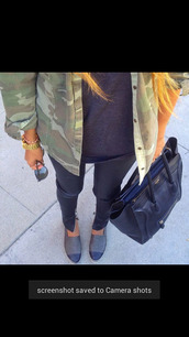 coat,army green jacket,camouflage,jewels,jeans,shirt,sunglasses,bag,shoes