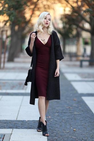 meri wild blogger burgundy dress black coat peep toe