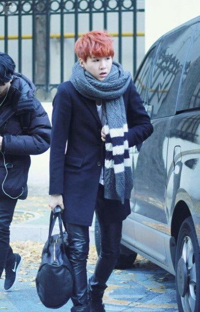 scarf korean fashion korean style korean celebrities korean street fashion korean street style grey stripes asian asian fashion bts bangtan boys bangtan ulzzang ulzzang boy jungkook jeon jungkook bts jimin cute jimin kim taehyung K-pop kpop kpop idol korean idol idols kfashion