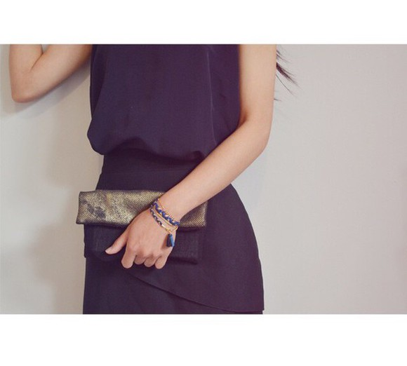 jewels bracelets black gold bag jumpsuit black jumpsuit handbag black bags wallet