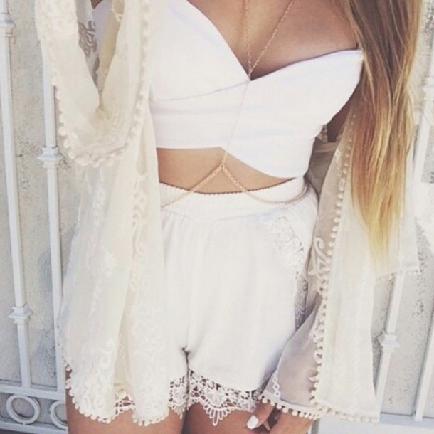 jacket fashion classy top shorts coat white cardigan necklace kimono crop tops jewels jumpsuit clothes short ootd outfit outfit summer summer outfits festival festival clothes festival outfit body necklace girl tank top white shorts high waisted crop tops lace