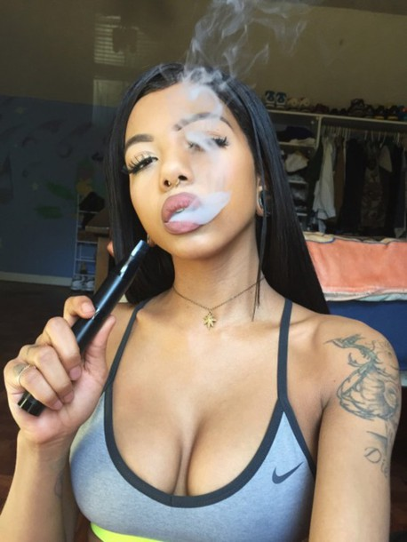 top tat bra tattoo tattoo nike necklace lipstick lips eyebrows bralette sportswear smoke smoking kills mixed girl hair long hair black hair grey jewels sports bra nike sports bra chain weed 420 tumblr underwear