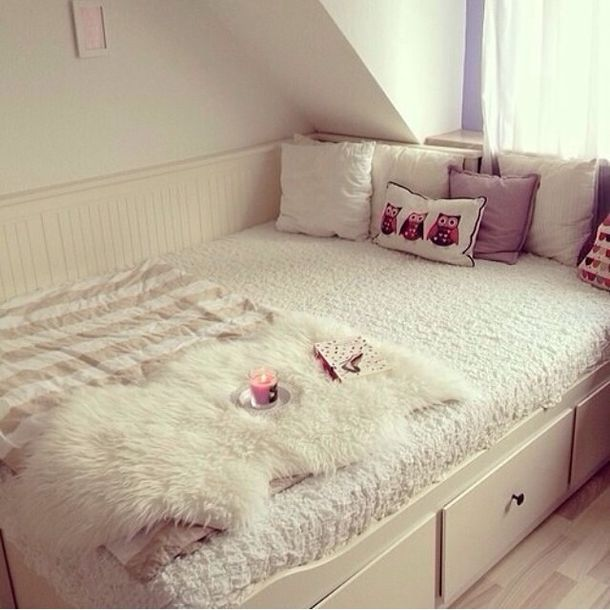 jewels tumblr bedroom bedroom bedding throw candle bedroom tumblr owls blanket warm fur winter outfits house girly stripes white pink pillow home accessory bedding