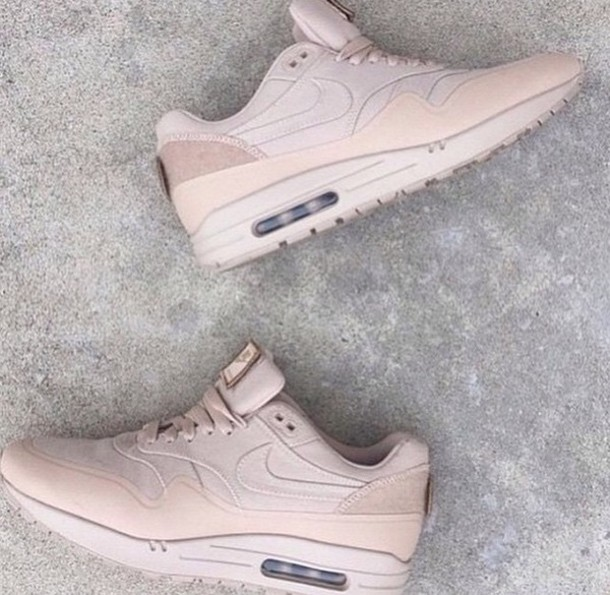 Nude Trainers 21