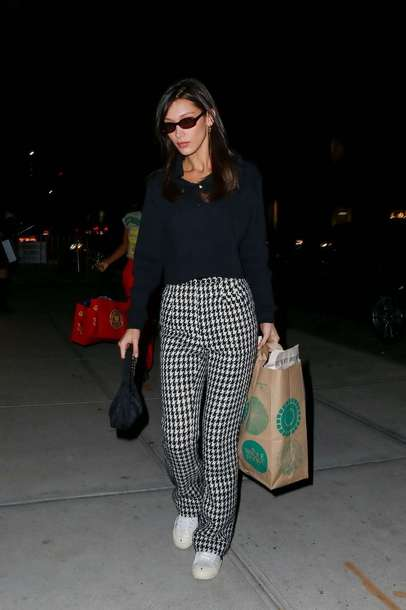 pants plaid black black top black and white fall outfits fall sweater bella hadid model off-duty streetstyle