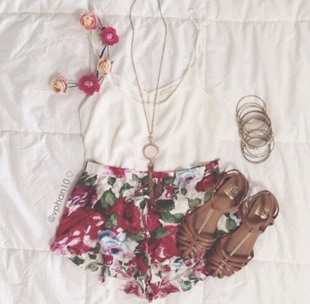 top shorts shoes jewels hair accessory