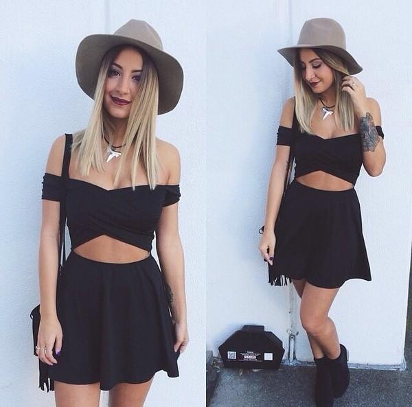 mini black dress off the shoulder short sleeved skater skirt cut-out black#dress#mini