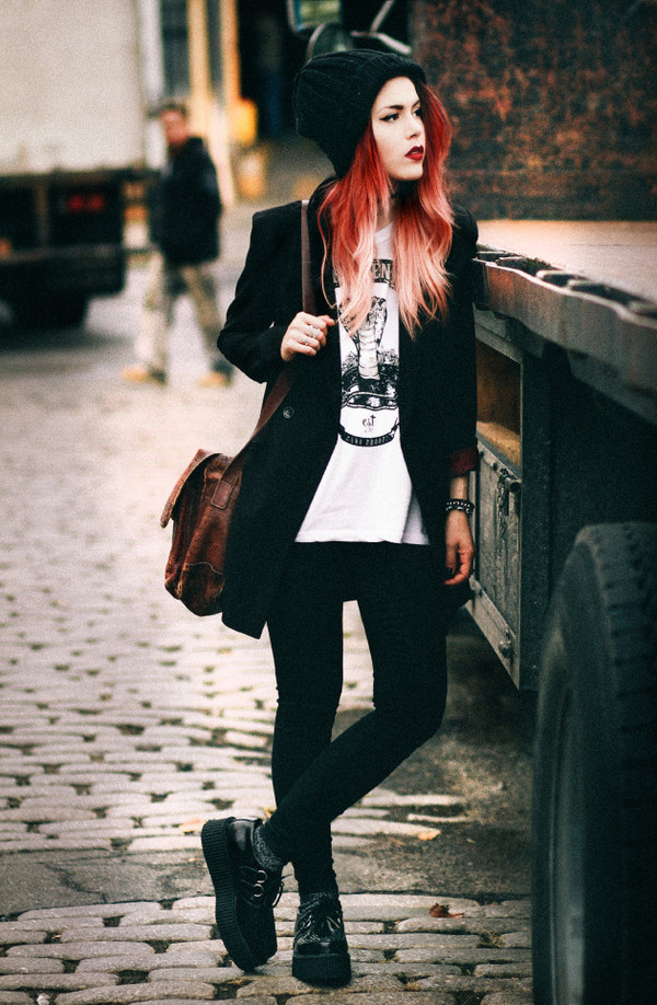 le happy jacket t-shirt pants