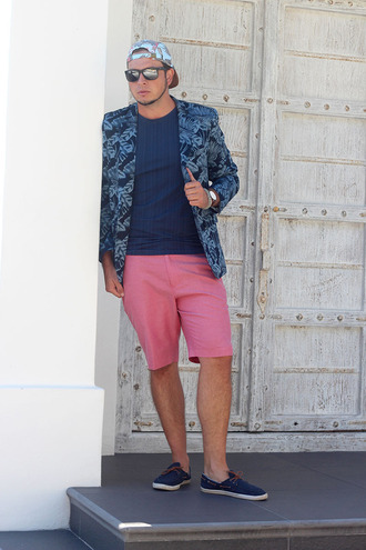 superficial girls blogger t-shirt shorts jacket jewels shoes sunglasses mens cap