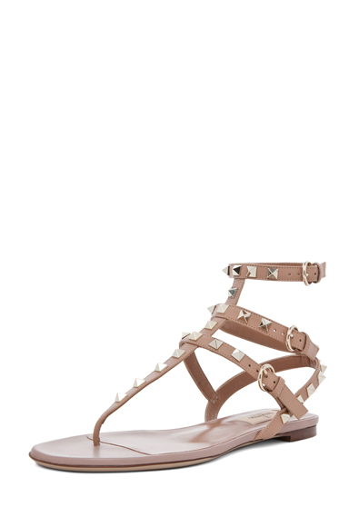 Rockstud gladiator sandal t.05 in soft hazelnut & nude & platinum