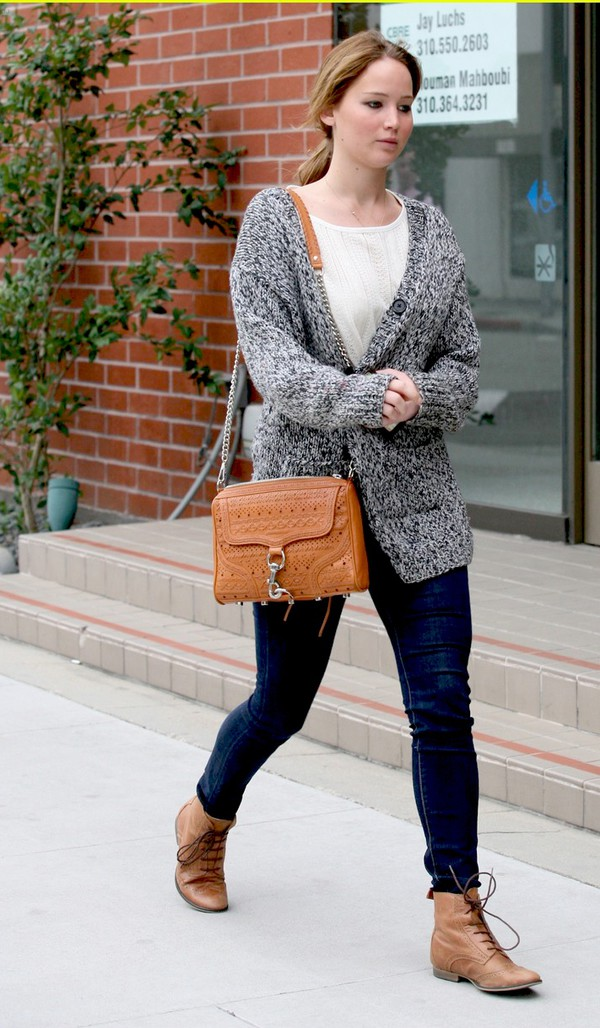 cardigan jennifer lawrence ankle boots oversized cardigan shoes top bag
