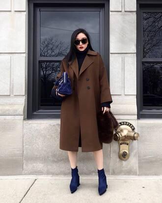 coat tumblr oversized oversized coat brown coat boots blue boots bag blue bag sunglasses furry bag