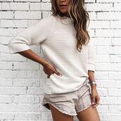 shorts,linen,linen shorts,nude shorts,frayed shorts,sweater,white sweater,grey shorts