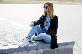 beauty fashion shopping blouse jeans shoes sunglasses bag coat jewels jacket converse