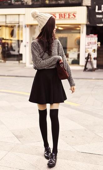 skirt black skater skirt slightly ruffled