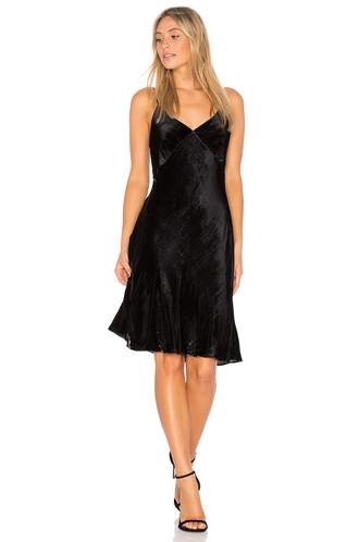 dress love black