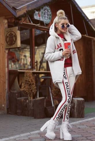 pants leggings dazzle clothes fashion coat jacket hoddie sweater cardigan jumper boots shoes platform shoes lace up sunglasses sunnies sunglasses black vintage sylish top blackfive