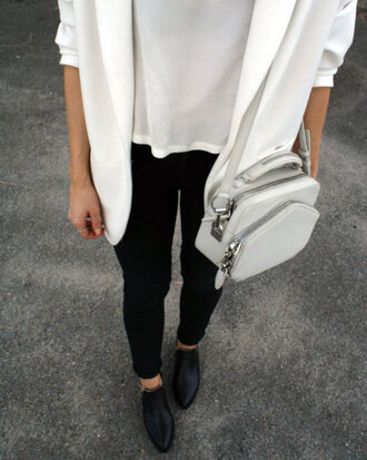 bag white zip silver fashion tumblr shoes coat blouse blouson black and white grey shoulder bag white grey bag white bag chic bag