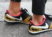 shoes,low top sneakers,nike leopard shoes,kicks,nike,nike shoes with leopard print