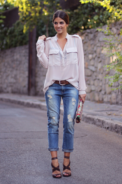 jeans white shirt brown and gold belt distressed denim jeans strappy black heels blogger