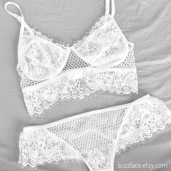Bridal Lingerie Set, Lace Bralette, Sexy Women Underwear, Bridal Shower Bridesmaid Gift, Underwired Bralette, Plus size, Lace Knickers, Bra