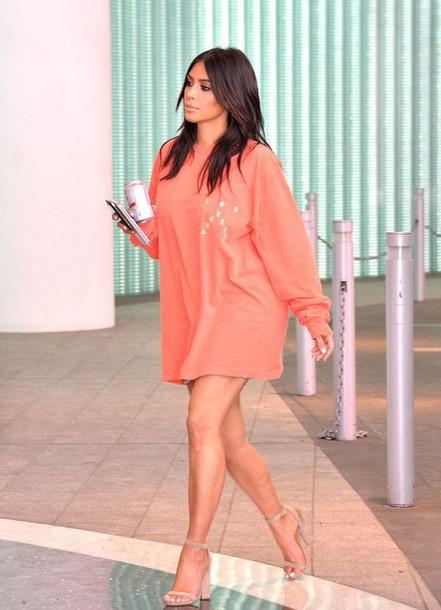 sweater oversized sweater kim kardashian sandals kardashians sweatshirt shirt heels style fashion kim kardashian style high heel sandals nude sandals