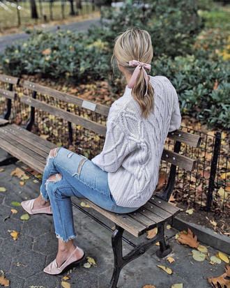 hair accessory tumblr hair bow sweater knit knitwear knitted sweater denim jeans blue jeans ripped jeans shoes pink shoes