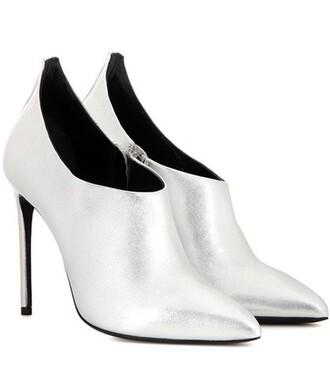 metallic pumps silver shoes